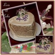 Hearts 'n Bloom mini-wedding cake
