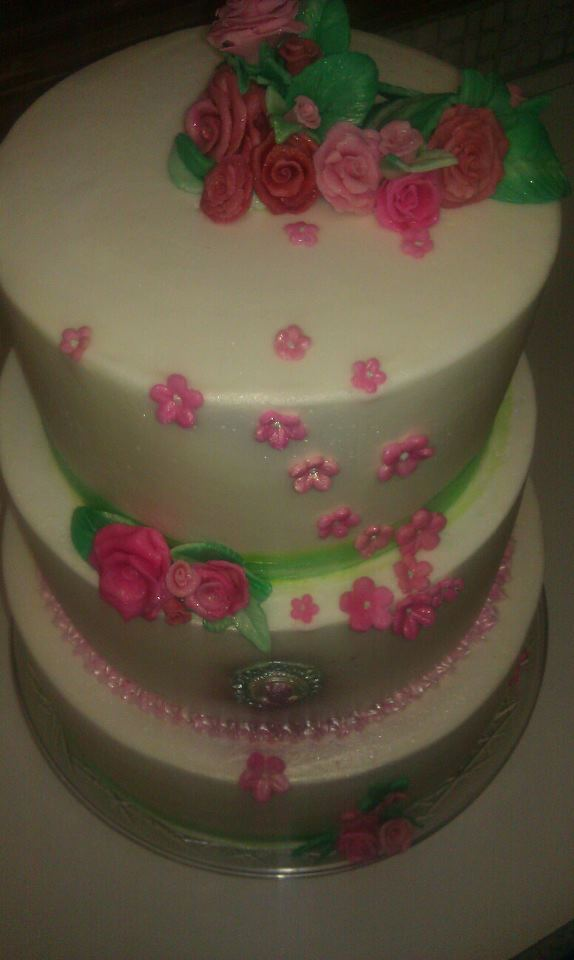 pink,green,front,3tier,cake