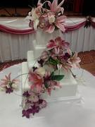 pinklilliespurpleorchid4tierweddingcake3