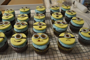 Despicable Me-Minion Toppers & cupcakes