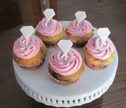 Engagement Diamon Ring cupcakes