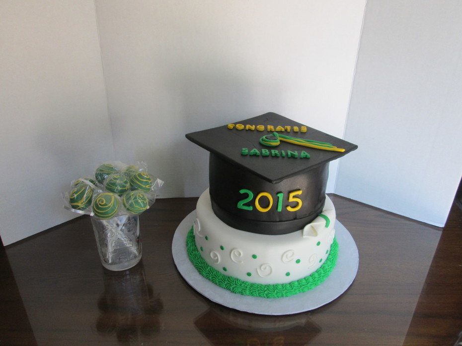 Class of 2015 Graduation Cake and cake pops