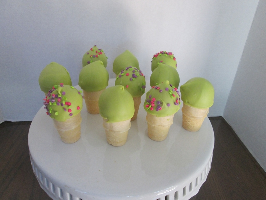 Key Lime Pie Ice Cream cake pops