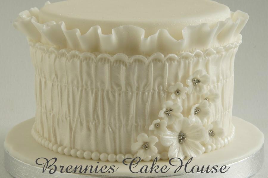 small romantic cake