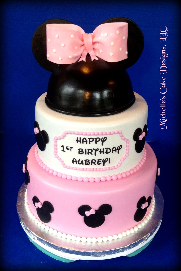 Minnie Mouse Cake 4