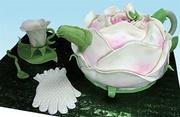 """""""Garden Party"""" Rose Teapot Cake"""