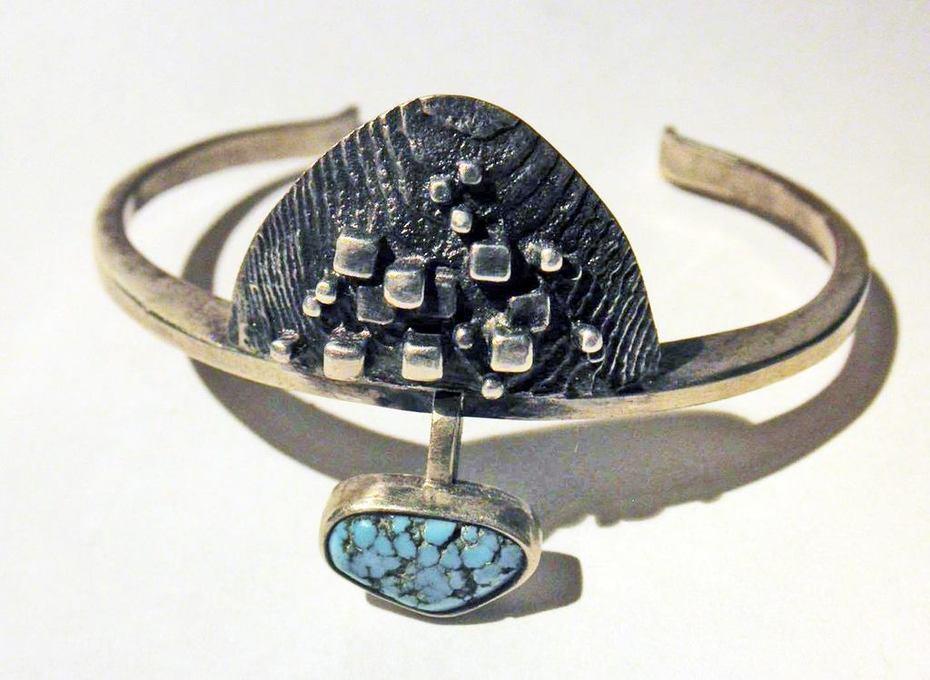 Cuttlefish bone and turquois bracelet