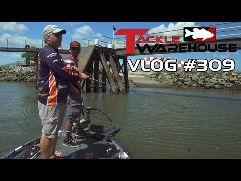 "Pitching a Crankbait - Michael ""Ike"" Iaconelli & Pete Gluszek Fishing On The Delaware River Part 2 - TW VLOG #309"