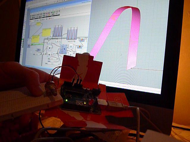 Rhino + Grasshopper + Firefly + Arduino + Tapeworm