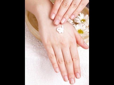 Aprende a hacer una crema para tener las manos jóvenes y suaves