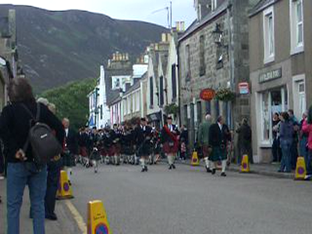 helmsdale highland games pipers march