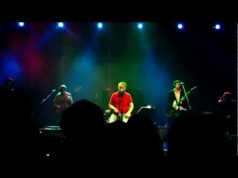 Edwyn Collins plays Understated(HD) live at the HMV Forum, London 20.10.2012