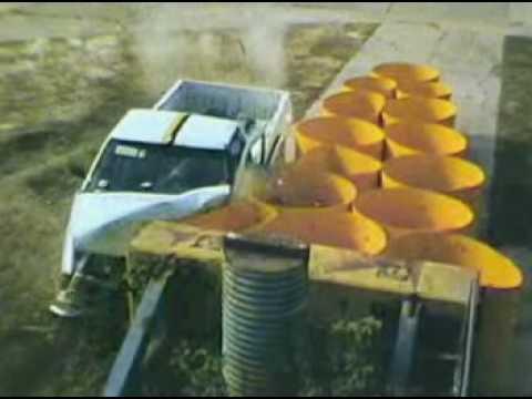 Test de choques contra Barreras con camionetas Ford y Chevrolet