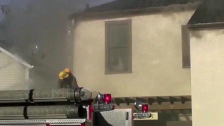 25 de Octubre de 2009 / Incendio en la calle Queen en Niagara / Ventilacion vertical
