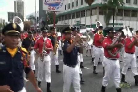DESFILE: ORDEN CERRADO / BANDA DE MUSICA DEL CUERPO DE BOMBEROS DE PANAMA / Video Destacado de La Hermandad de Bomberos