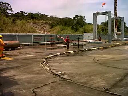 Mexico / El H. Cuerpo de Bomberos, delegacion de Coatzacoalcos, Veracruz; tuvimos practicas de Contraincendios en el Campo de practicas