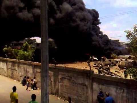 Incendio en empresa Colisa via a Daule