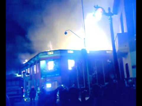 CHILE Incendio ROCKOLA BARRIO BELLAVISTA / Video Destacado de La Hermandad de Bomberos