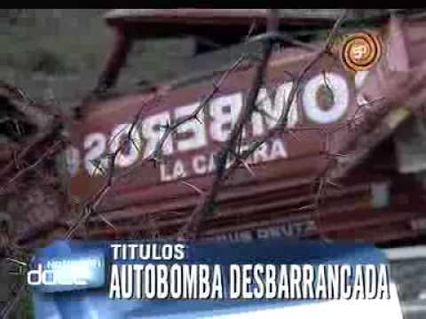 Accidente autobomba desbarranca en La Calera, Corboba, Argentina