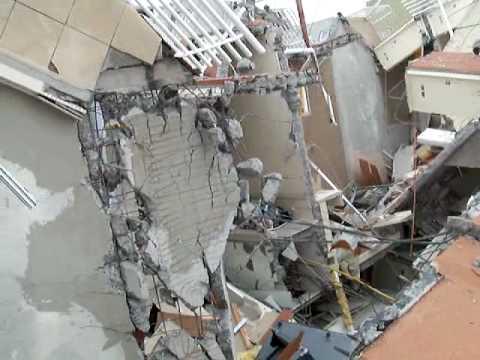 Edificio Alto Rio, en Concepcion / Terremoto en Chile / Estructuras Colapsadas / Video de Capacitacion