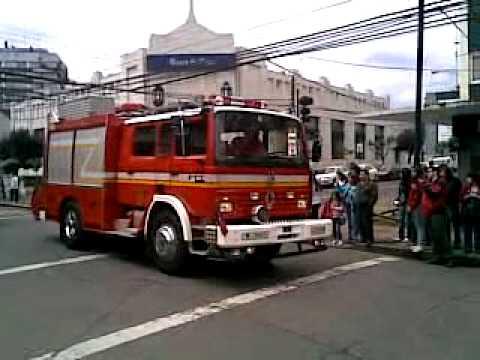 19 de Noviembre de 2010 / Desfile del Cuerpo de Bomberos de Osorno / Chile