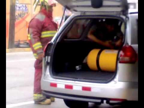 03 de diciembre de 2010 / Fuga de G.L.P. / Bomberos de Peru