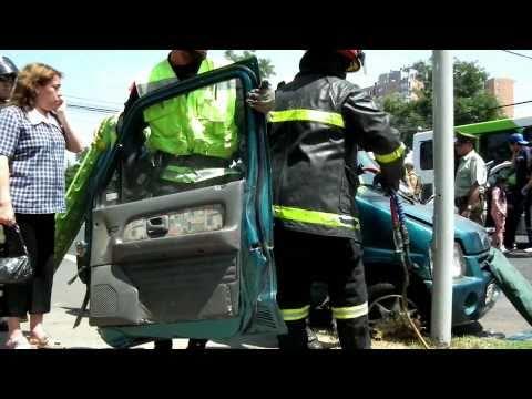 10-4-1 Av. Brasil y Mapocho., área 122 / Rescate Vehicular / Cuerpo de Bomberos de Santiago, Chile