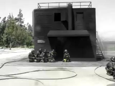 Entrenamiento de Incendio Estructural en la Academia Nacional de Bomberos / Chile
