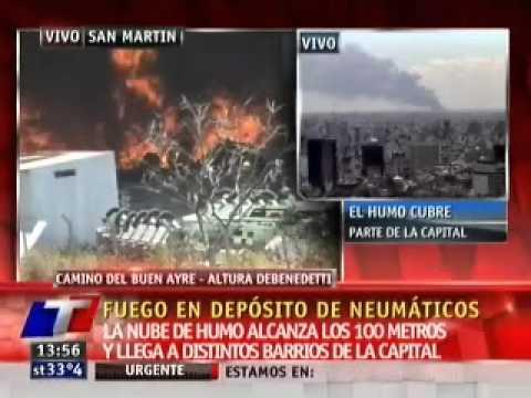 23 de enero de 2011 / Incendio afecta deposito de reciclaje de neumaticos en San Martin / Buenos Aires en Argentina