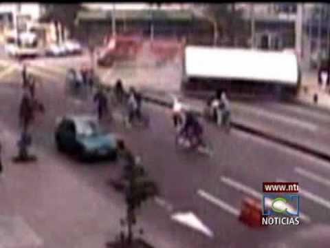 Choque de un bus y carro de bomberos en Bogotá Call 63 cra 7a / Bogota, Colombia / Video Destacado de La Hermandad de Bomberos