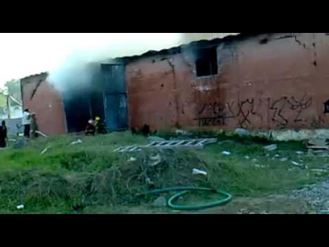 Incendio en bodega, dos rios, Veracruz.mp4