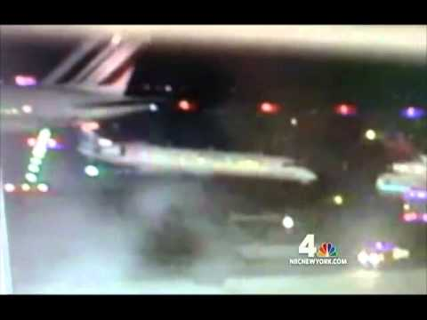 12 de Abril de 2011 / Accidente Airbus A380 choca a un CRJ-700 en el aeropuerto JFK, Nueva York