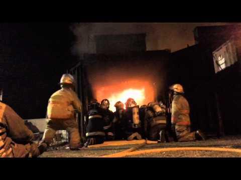Simulador de Flashover de Lujan en Buenos Aires, Argentina 2011 / Escuela de Incendios Estructurales / Video Destacado de La Hermandad de Bomberos
