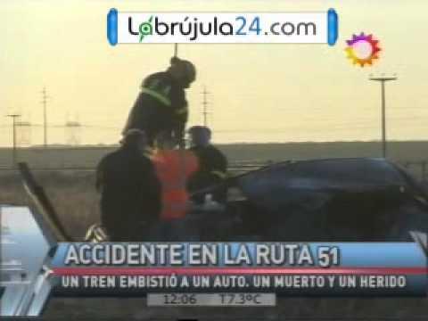 Formación Ferroviaria choco a un Vehiculo / Acude Cuerpo de Bomberos de Cabildo / Argentina