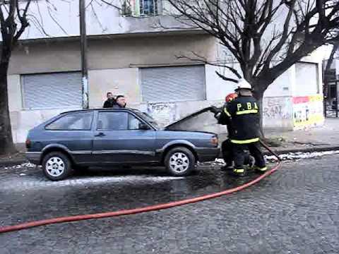 20 de Agosto de 2011 / Incendio de Vehiculo / Cuerpo de Bomberos de la Policia de la Provincia de Buenos Aires / La Plata en Buenos Aires, Argentina