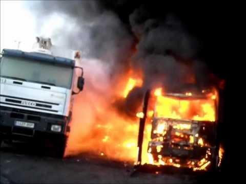 Incendio de Camiones / Camara en Casco / Bomberos de Fuenlabrada, España / Video Destacado de La Hermandad de Bomberos