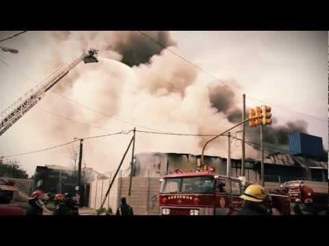 18 de Septiembre de 2011 / Incendio en Gral Pacheco, Tigre. 20 dotaciones de Bomberos / Argentina / Video Destacado de La Hermandad de Bomberos