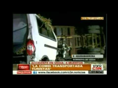 Accidente en Vedia, choque entre camión y una combi