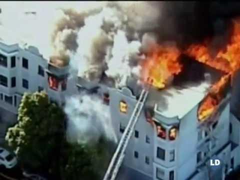 Espectacular incendio en San Francisco - San Francisco blaze destroy a building