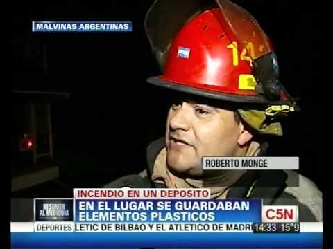 27 DE ABRIL DEL 2012 / INCENDIO EN FABRICA DE PRODUCTOS PLASTICOS, HABLA EL JEFE DE BOMBEROS / LOCALIDAD DE MALVINAS ARGENTINAS, BUENOS AIRES EN ARGENTINA