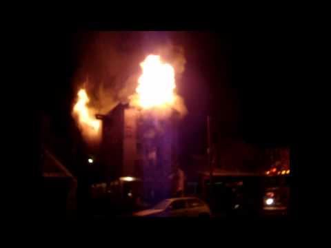 28 06 2011 incendio estructural en Elordi 602