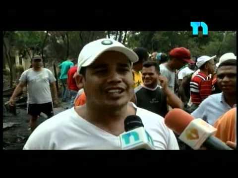 23.06.2012 / Una explosión de un tanquero cargado de combustibles provocó pánico en Bonao / REPUBLICA DOMINICANA