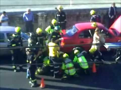 Rescate Vehicular: por choque Multiple / Clave 5 (Choque) Avda. España Altura Rotonda Yolanda / Valparaiso, Chile