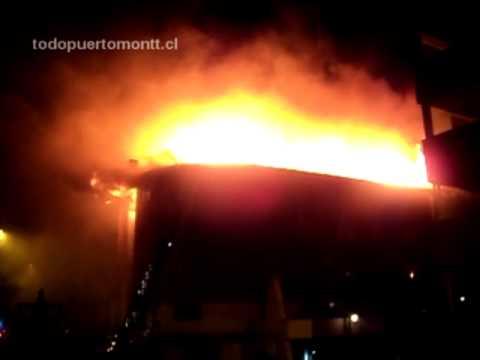 chile Gigantesco incendio Hotel Colina de Puerto Montt 07-Nov-2012.