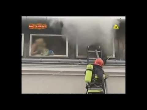 Rescate de familia en incendio