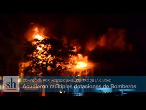 INCENDIO DE LOCAL COMERCIAL EN AV. INDEPENDENCIA / SUNCHALES, SANTA FE EN ARGENTINA