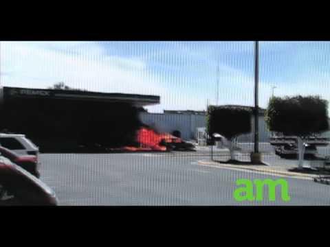 Incendio de auto en gasolinera