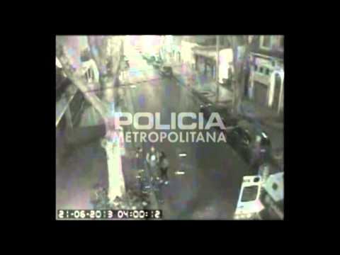 RESCATE VEHICULAR: COLISIÓN DE COLECTIVO CON AUTOMOVIL, BOMBEROS DE POLICIA FEDERAL / CIUDAD AUTONOMA DE BUENOS AIRES EN ARGENTINA