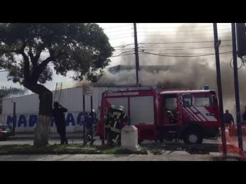 INCENDIO ESTRUCTURAL DE COMERCIO / BOMBEROS DE TALCAHUANO EN CHILE / Vídeo Destacado de La Hermandad de Bomberos