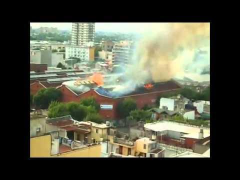 AUDIO: TRÁGICO INCENDIO DE DEPOSITO EN BARRACAS, BUENOS AIRES EN ARGENTINA / Audio Destacado de La Hermandad de Bomberos